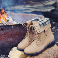 The Lodge Boots in Timber