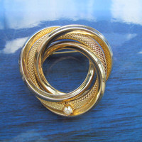 Vintage golden circle abstract brooch