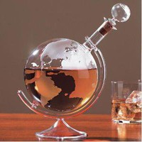 Etched Globe Spirits Decanter: Kitchen & Dining