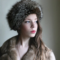 What does the FOX say - Fox Fur hat, grey Brown Fuzzy Vintage 1970ties winter hat