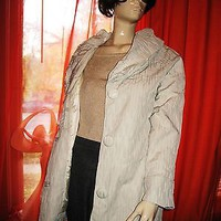 NEYELLE COAT BEIGE W PLEATED COLLAR RAINCOAT SIZE XL NWT !