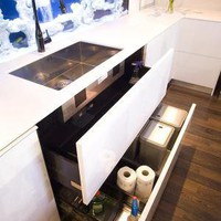Modern and Cool Kitchen Design integrated Aquarium by Darren Morgan Modern and Cool Kitchen Design integrated Aquarium | Rack Kitchen Design ? SweetHomeDecorating.com | Home Design | Home Decoration | Furniture | Office | Outdoor