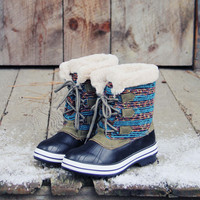 Northernly Sweater Snow Boots