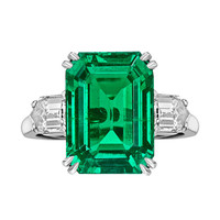VAN CLEEF & ARPELS 8.20 Carat Colombian Emerald-Cut Emerald & Diamond Ring