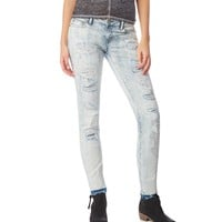 Bayla Destroyed Light Wash Skinny Jean - Aeropostale
