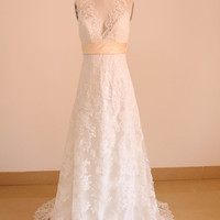 Simple A-line Lace Wedding Dress Bridal Long Wedding Gown Beach Wedding Dress