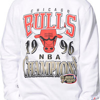 NBA Mitchell and Ness Chicago Bulls Champ White Crew Neck Sweatshirt