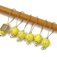 Knitting Stitch Markers, Snag Free, DIY Knitting, Gift for Knitter, Yellow, Stars, TJBdesigns