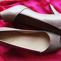 CALVIN KLEIN SHOES BEIGE OPEN TOE  W LOGO MEDIUM HEELS! SIZE 6.5 M/37