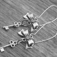 Skeleton Key Earrings Skeleton Key Jewelry Gothic Victorian Goth Steampunk Alice in Wonderland Fairytale Whimsy Keys Whimsical Bow Earrings