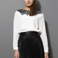 Contrast Cut Out Collar Chiffon White Top