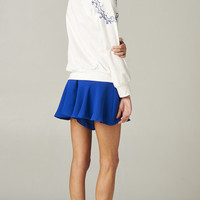 WHITE EMBROIDERED SHOULDER SWEATER