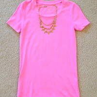 NWOT! SO Brand Perfect Tee SZ: XS with Charlotte Russe Gold Chain Necklace