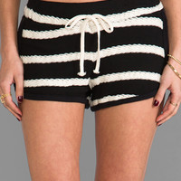 WOODLEIGH Skye Short in White & Black