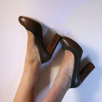 Vintage CHLOE shoes free shipping, designer leather pumps, high heels, wooden platform shoes size 39 (American 8)