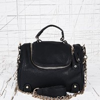 Deena & Ozzy Zip Top Barrel Bag in Black at Urban Outfitters