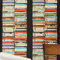Stacked Paperback Wallpaper | Anthropologie.eu