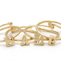 girlsluv.it - initial ring, gold