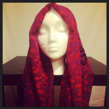 Women's animal print infinity scarf
