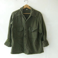 vintage wool army shirt. button down military shirt.