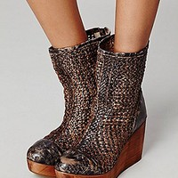 Cabal Wedge Boot