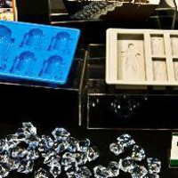 Star Wars Ice Cube Trays R2-D2 and Han Solo