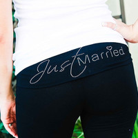 Just Married Yoga Pants. Custom Bride Yoga Pants. Bridal Sweatpants. Just Married Yoga Pants. Bride Gift. Bridal Party Pants.