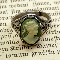 Cameo Ring- Green Lady in Silver - Retro Accessories