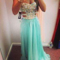 Fashion Sexy Rhinestone Chiffon Floor-Length Prom Dress/Evening