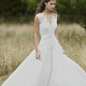 Designer wedding dress - Rebecca wedding dress - Lyn Ashworth bridal gown collection
