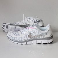 NIKE run free 5.0 v4 shoes w/Swarovski Crystals detail - White/Wolf Grey/Metallic Silver