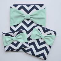 Coordinating Set of Cases - MacBook, iPad / Pad Mini, and Free Cosmetic Case - Navy and White Chevron Mint Bow - Padded