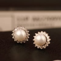 Sunflower Shape Pearl Earrings 061010
