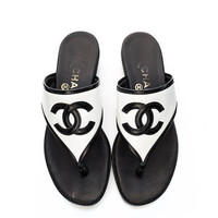 awesome vintage 80's/90's CHANEL monochrome CC logo platform flatform thongs sandals