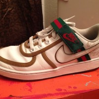 White Green Red Nike Womens Vandal Low Top Size 8 WO Box